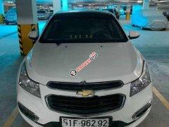 Cần bán xe Chevrolet Cruze đời 2016, màu trắng xe nguyên bản