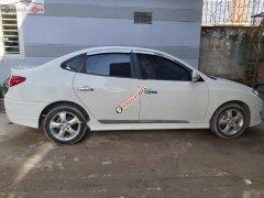 Bán Hyundai Avante 1.6 AT đời 2011, màu trắng, số tự động