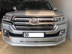 Bán Toyota Landcruiser VX 2016 màu Bạc nội thất kem xe đăng ký 2016 tên công ty một chủ từ đầu