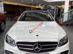 Cần bán xe Mercedes E300 sản xuất 2019, màu trắng