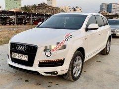Cần bán Audi Q7 4.2 Quattro đời 2009, màu trắng, nhập khẩu nguyên chiếc, 750 triệu
