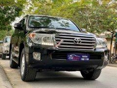 Cần bán Toyota Land Cruiser VXR 4.6 đời 2013, màu đen, nhập khẩu, giao nhanh