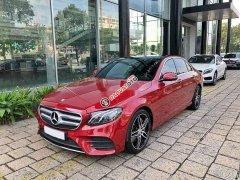 Cần bán gấp Mercedes E300 sản xuất 2017, màu đỏ
