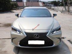 Bán xe hạng sang giá thấp với chiếc Lexus ES 250 đời 2020, màu xám, xe nhập