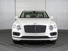 Bán xe Bentley Bentayga V6 3.0 Hybrid 2020, màu trắng, nhập khẩu mới 100%