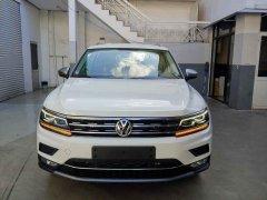 Volkswagen Tiguan Topline xe đức nhập khẩu màu trắng tặng quà khủng 120tr khi mua xe