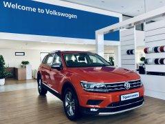 Volkswagen Tiguan Luxury nhập khẩu nguyên chiếc màu cam tặng quà khủng