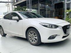Cần bán gấp Mazda 3 sản xuất 2019, màu trắng, nhập khẩu