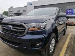 Cần bán xe Ford Ranger XLS AT 2020, màu xanh đen giao ngay