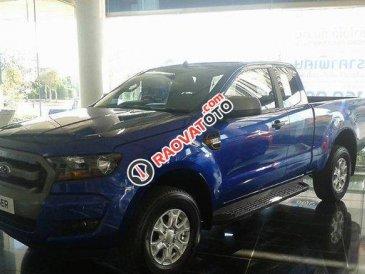 Bán xe Ford Ranger 2.2L XLS MT 4x2 đời 2017, màu xanh lam, xe nhập, giá 630tr